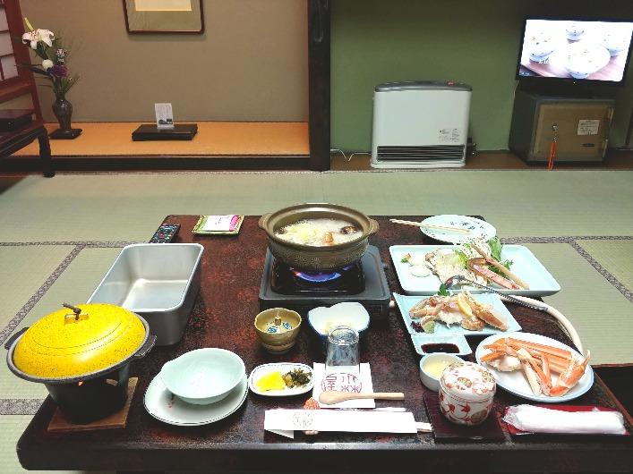 城崎温泉の旅館「小林屋」のカニ料理